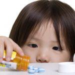 12 крайне вредных лекарств, которые дают детям