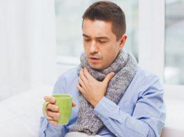 Названы неожиданные причины боли в горле